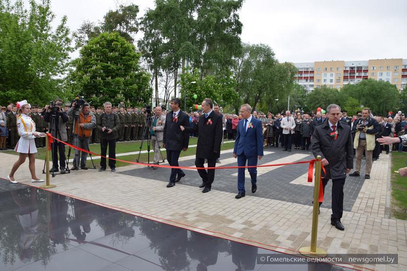 Открытие сквера ГГТУ имени П.О. Сухого с бомбардировщиком Су-24М 3