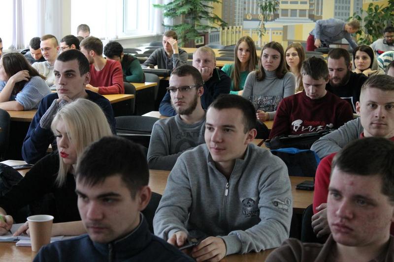 В ГГТУ имени П.О.Сухого для студентов машиностроительного и механико-технологического факультетов состоялась ярмарка вакансий